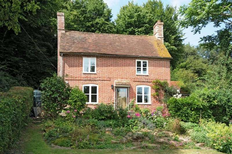 3 Bedrooms Detached House for sale in Military Road, Playden