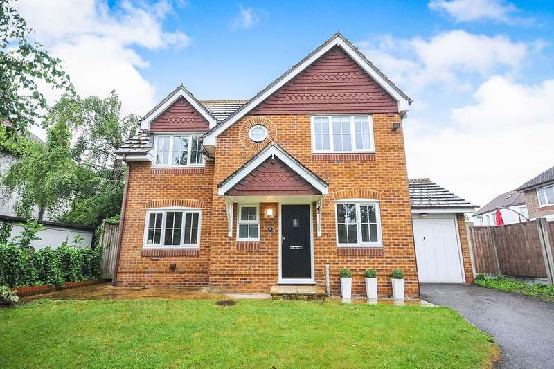 4 Bedrooms Detached House for sale in Emersons Avenue, Hextable, Swanley, BR8