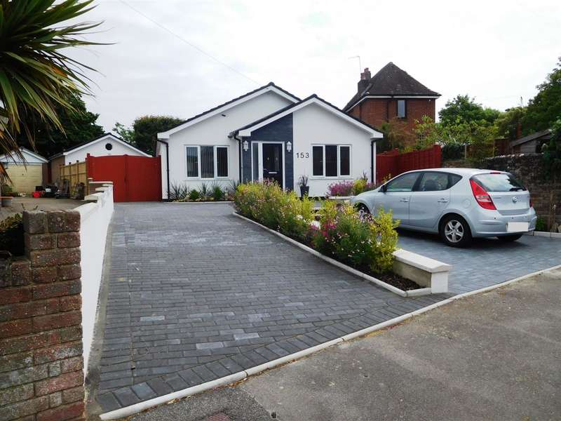 3 Bedrooms Detached House for sale in Lake Road, Poole