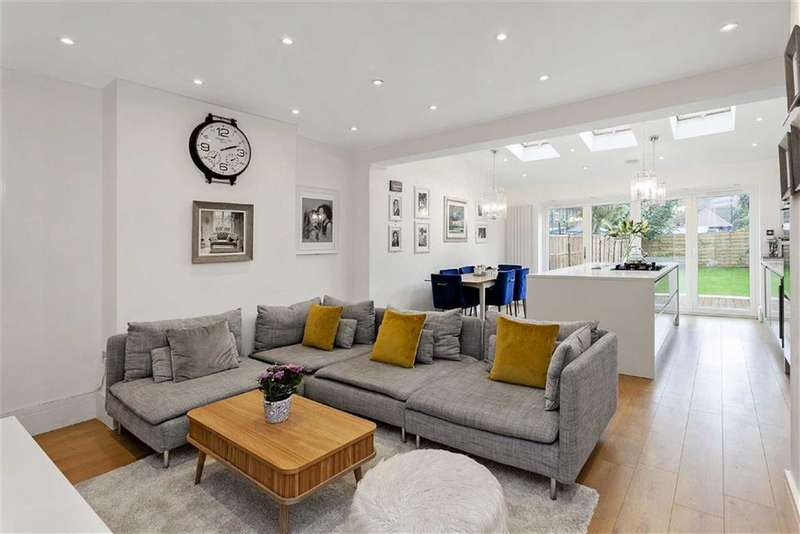 3 Bedrooms House for sale in Russell Road, Mitcham, Surrey