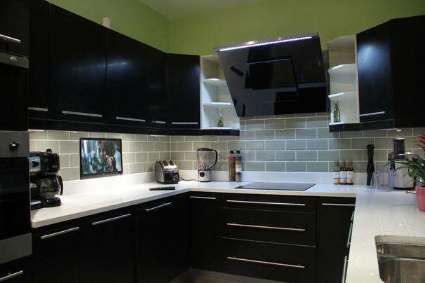 6 Bedrooms Semi Detached House for sale in Sunnymead Road, London, Greater London, NW9 8BS