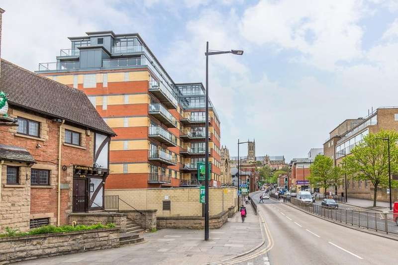 3 Bedrooms Apartment Flat for sale in 6.4 Thorngate House, St. Swithins Square