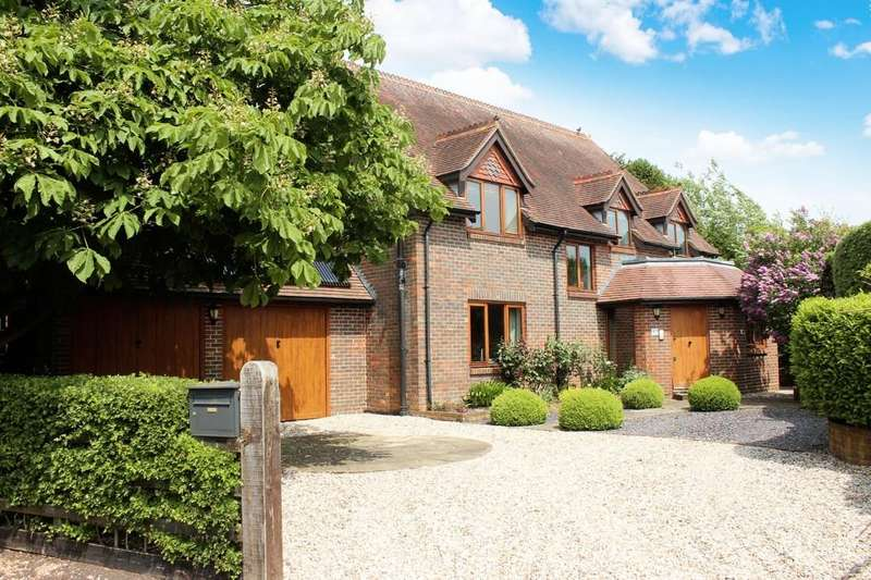3 Bedrooms Detached House for sale in Fairfax Close, Winchester, SO22