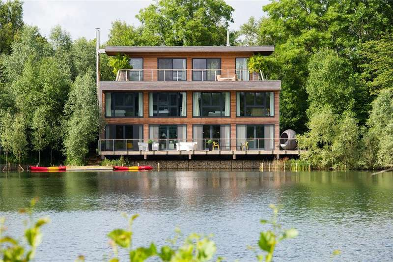 5 Bedrooms Detached House for sale in Huntsmans Causeway, The Lakes, Lechlade, Gloucestershire, GL7