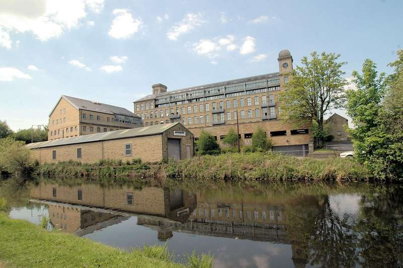 3 Bedrooms Apartment Flat for sale in Penthouse Apt, Valley Mill, Park Road, Elland HX5
