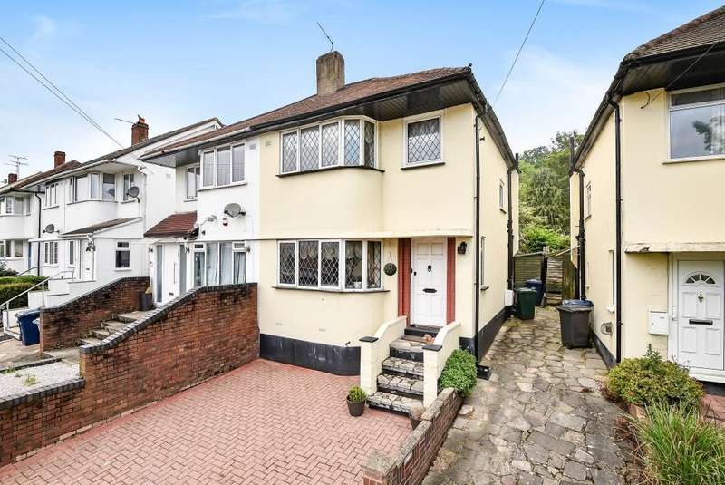 3 Bedrooms House for sale in Grants Close, London, NW7