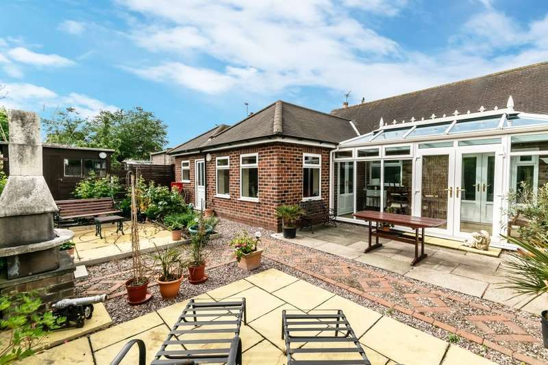 2 Bedrooms Semi Detached Bungalow for sale in Greenfield Lane, Frodsham, WA6