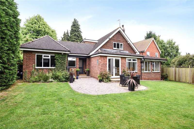 3 Bedrooms Detached House for sale in Ampthill Road, Flitwick, Bedfordshire, MK45