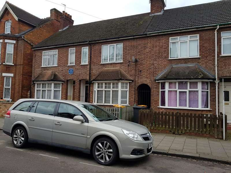 3 Bedrooms Terraced House for sale in Rutland Road, Bedford