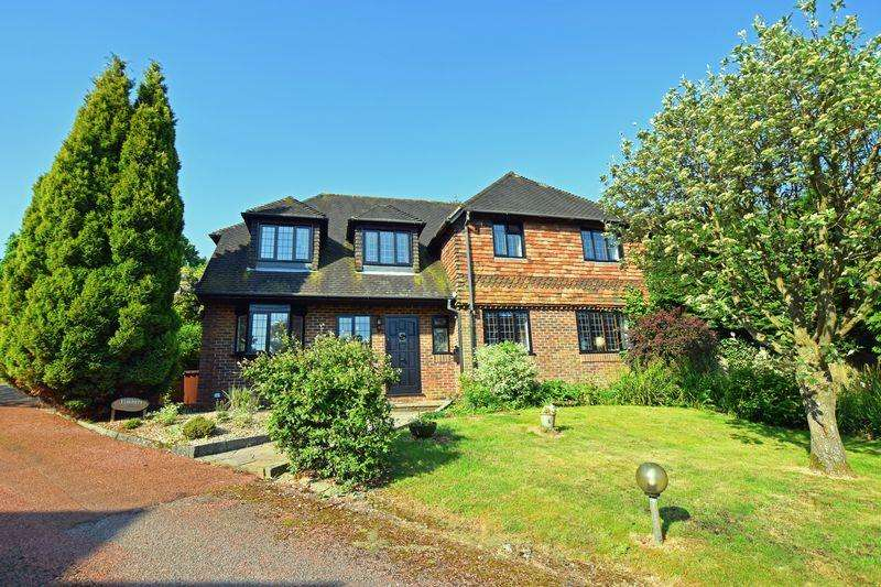 5 Bedrooms Detached House for sale in Nightingale Rise, Ridgewood