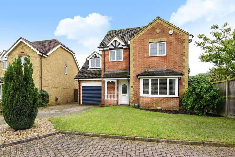 4 Bedrooms Detached House for sale in Chauntry Way, Flitwick, MK45