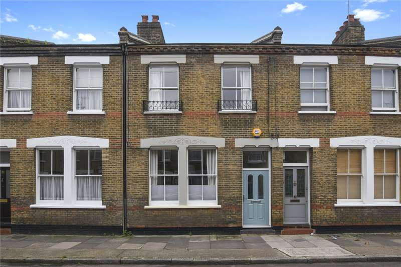 3 Bedrooms Terraced House for sale in Senrab Street, London, E1