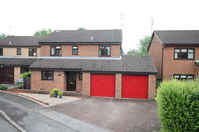 4 Bedrooms Detached House for sale in Spinney Close, Market Harborough