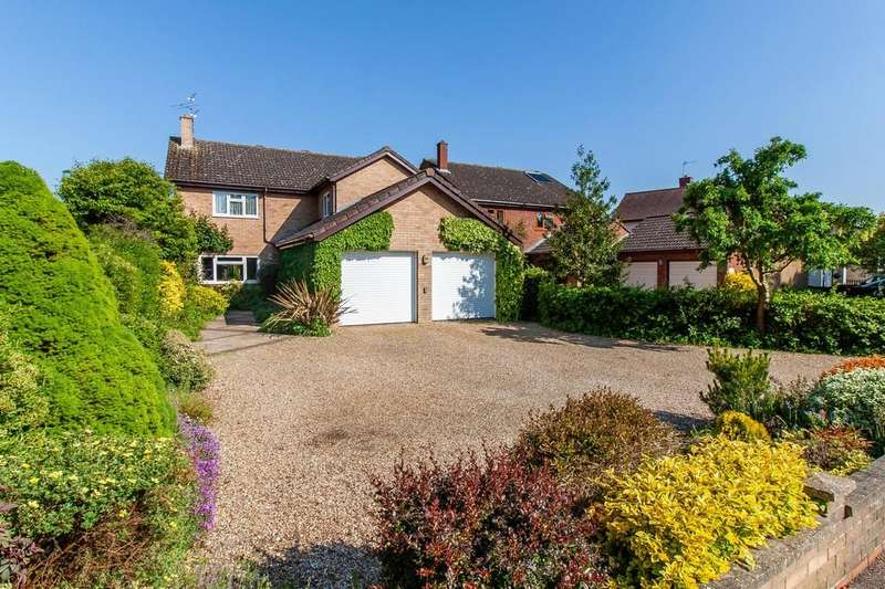 4 Bedrooms Detached House for sale in Stapleford, Cambridge