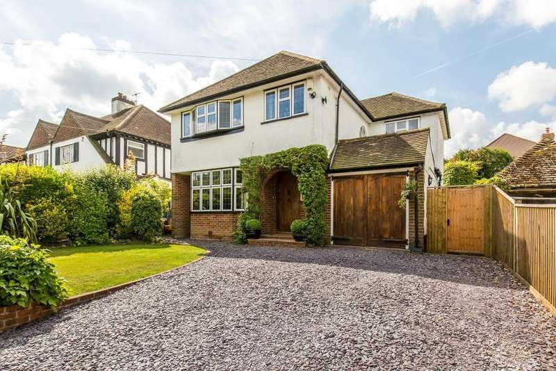 4 Bedrooms Detached House for sale in Glebe Hyrst, SANDERSTEAD, South Croydon, Surrey, CR2 9JJ