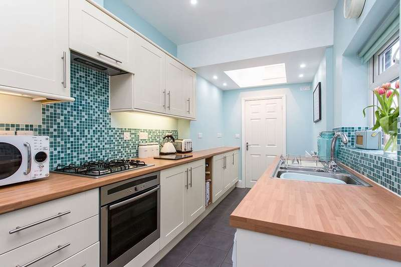 2 Bedrooms Terraced House for sale in Park Street, Northwich, CW8