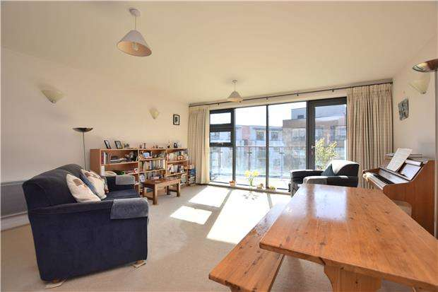 2 Bedrooms Flat for sale in Deanery Road, BS1 5QH
