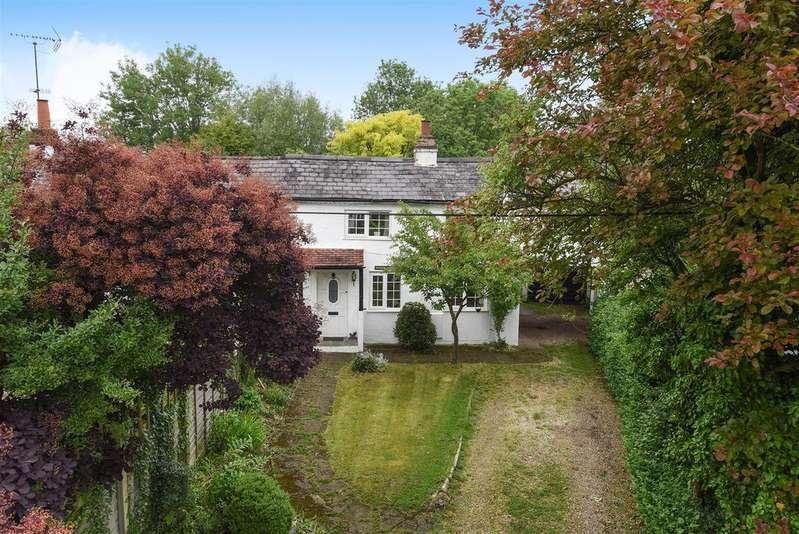 3 Bedrooms Semi Detached House for sale in Merryhill Green Lane, Winnersh, Berkshire RG41 5JP