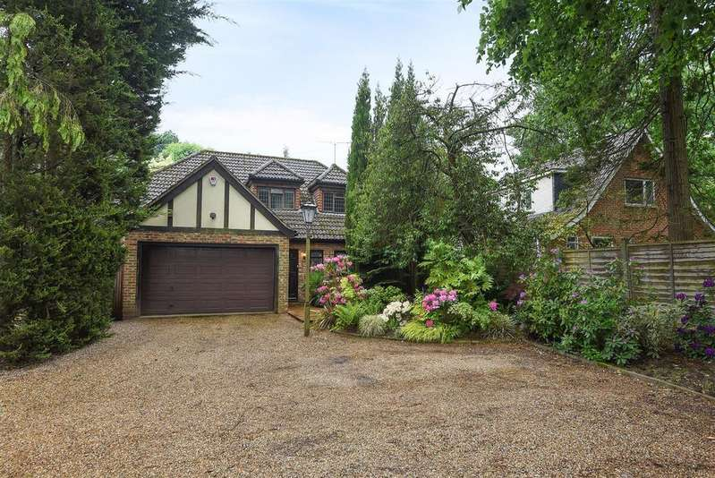 4 Bedrooms Detached House for sale in Nine Mile Ride, Finchampstead, Berkshire RG40 3NT