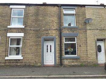 2 Bedrooms Terraced House for sale in Queen Street, Glossop, SK13 8EL
