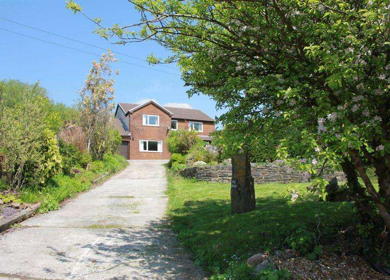 4 Bedrooms Detached House for sale in Blaina