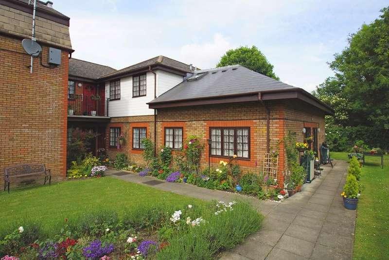 1 Bedroom Retirement Property for sale in Footscray Road, London, SE9