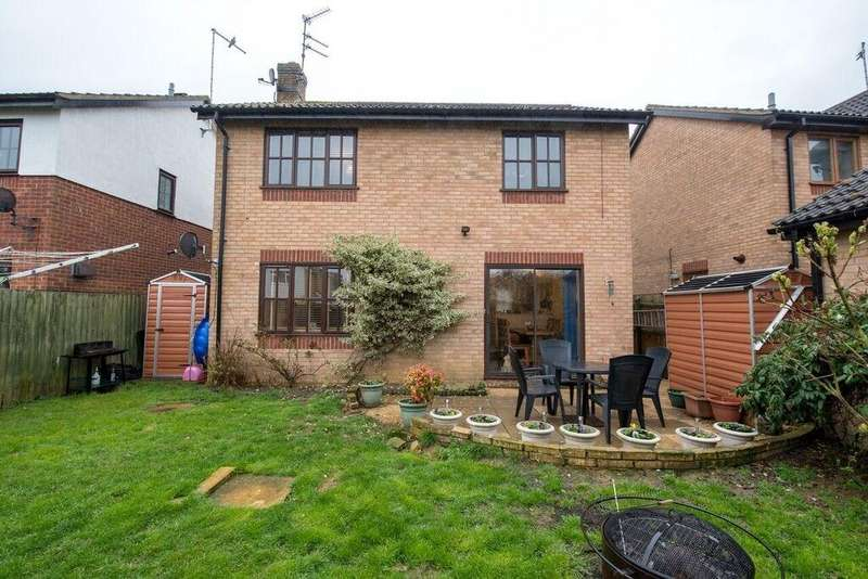 4 Bedrooms Detached House for sale in Tattershall Drive, Market Deeping, PE6
