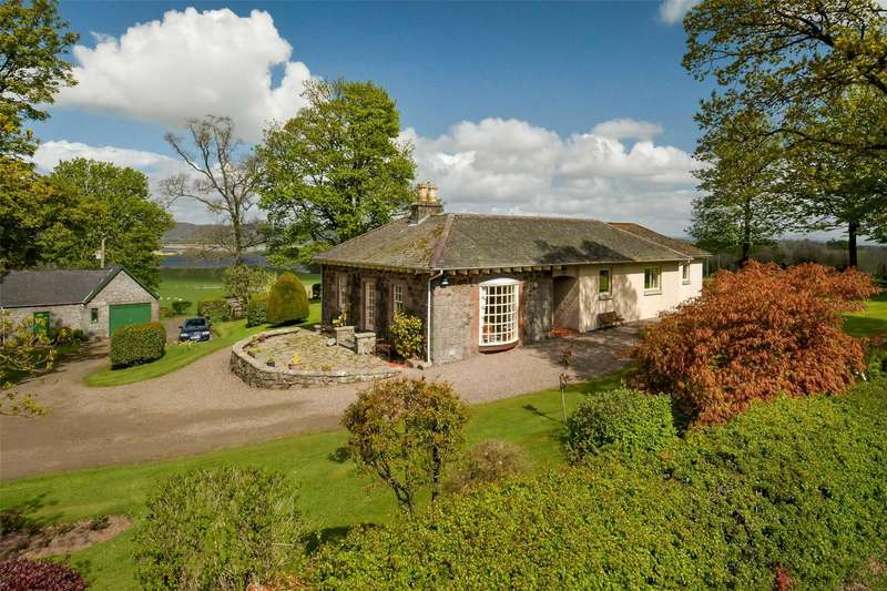 3 Bedrooms Detached House for sale in Carpow Farmhouse, Abernethy, Perthshire, KY14