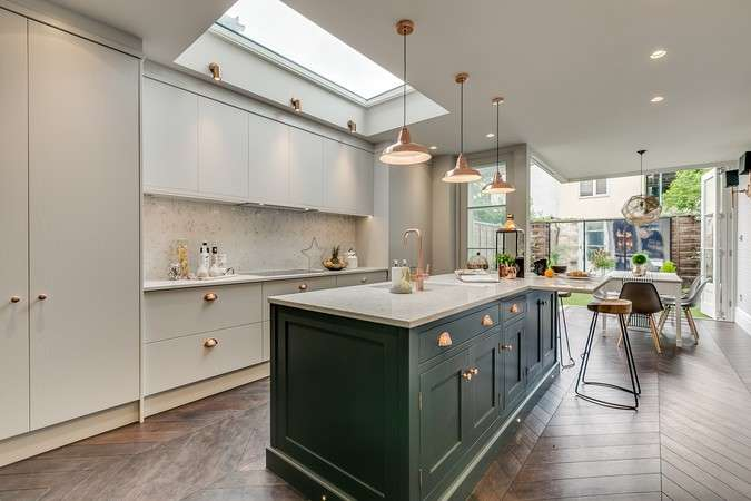 4 Bedrooms Terraced House for sale in Antrobus Road, Chiswick