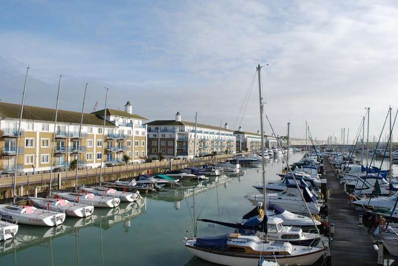 4 Bedrooms Penthouse Flat for sale in Merton Court, The Strand, Brighton Marina, Brighton BN2