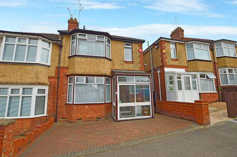 3 Bedrooms Semi Detached House for sale in Alton Road, South Luton, Luton, LU1 3NS