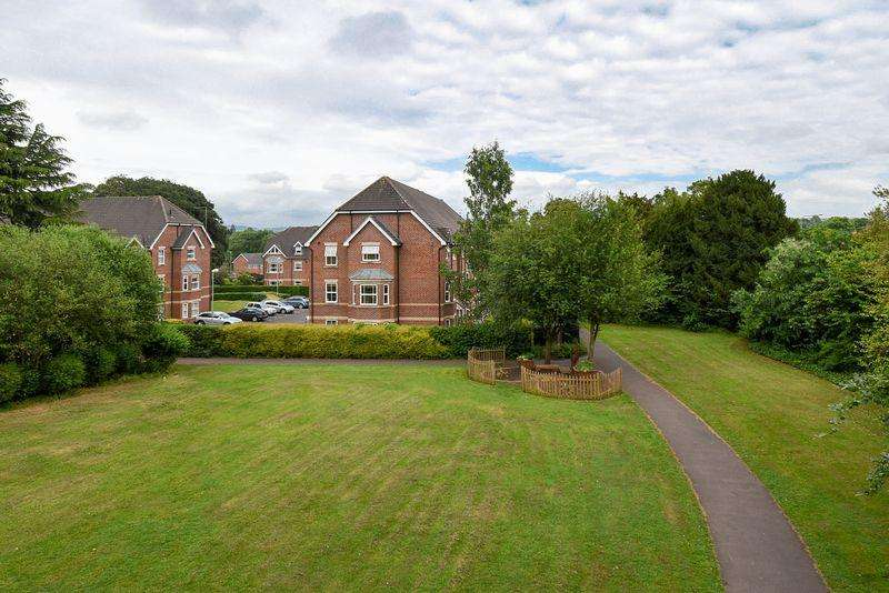2 Bedrooms Apartment Flat for sale in Westholme Close, Congleton
