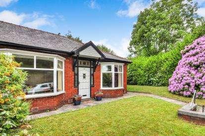 3 Bedrooms Bungalow for sale in Marsden Road, Burnley, Lancashire, BB10