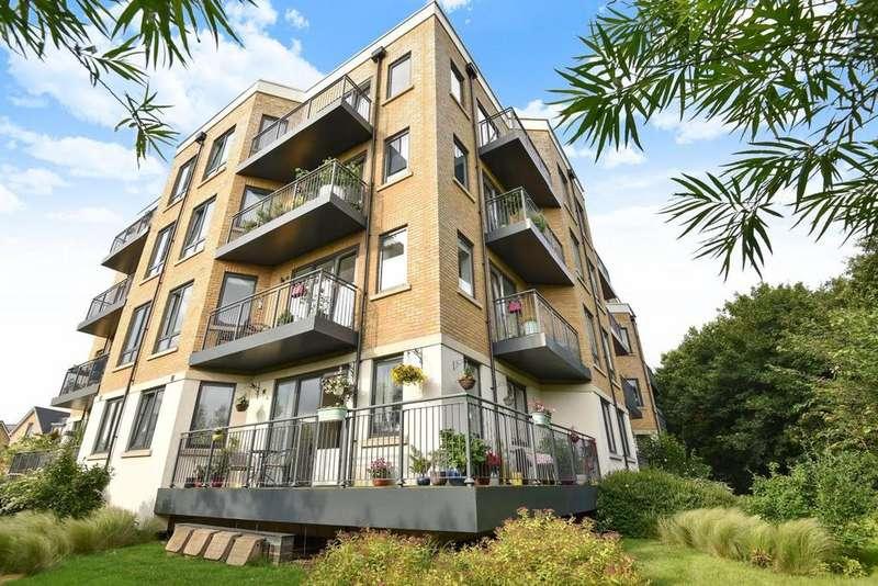 2 Bedrooms Flat for sale in Dock Meadow Reach, Hanwell
