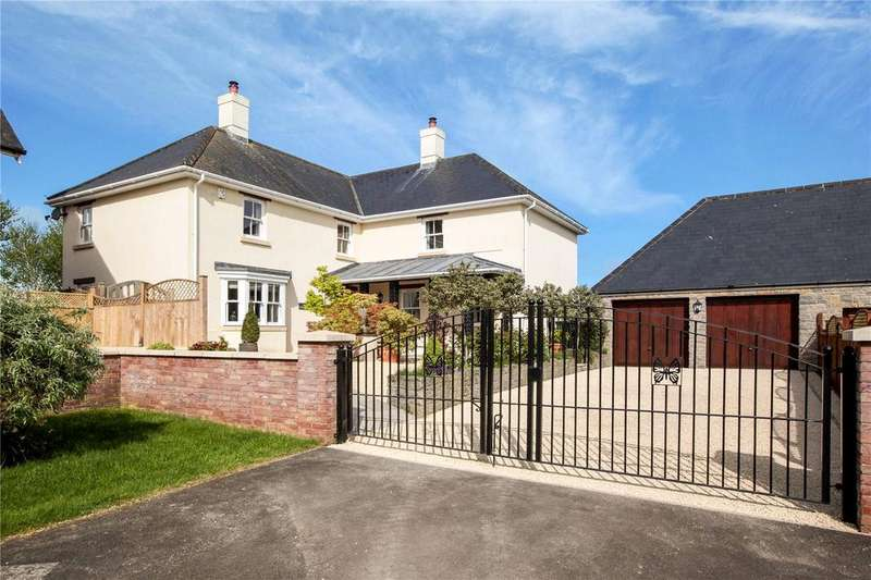 4 Bedrooms Detached House for sale in Wessex Court, Henstridge, Templecombe, Somerset, BA8