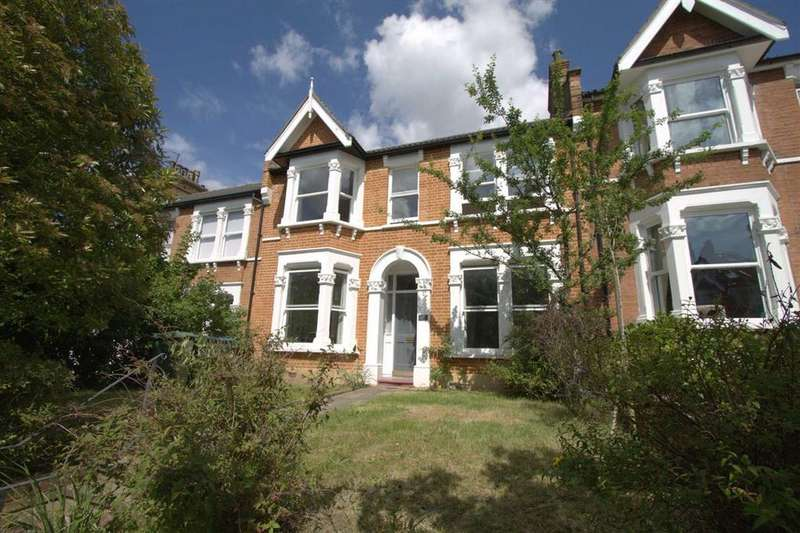 3 Bedrooms Terraced House for sale in Balcaskie Road, Eltham, London