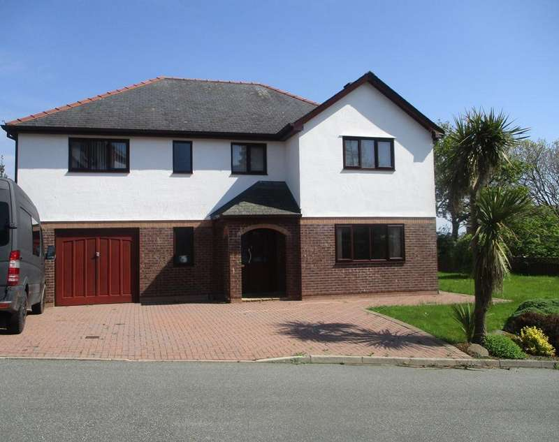 5 Bedrooms Detached House for sale in 9 Wern y Wylan, Criccieth, Porthmadog LL52