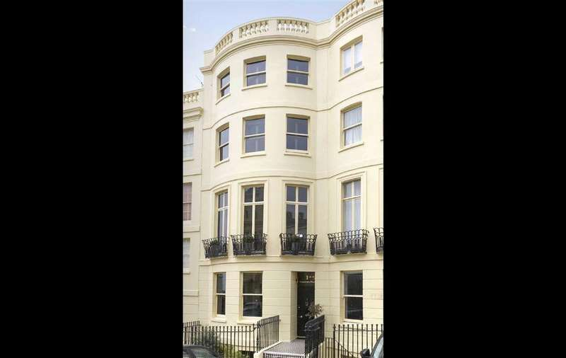 5 Bedrooms Terraced House for sale in Brunswick Place, Hove