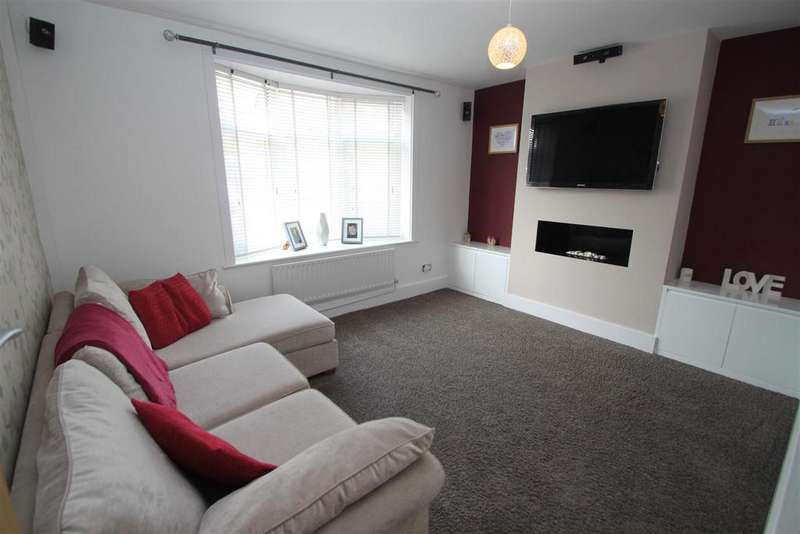 3 Bedrooms Semi Detached House for sale in The Common, Barwell