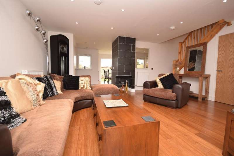 3 Bedrooms Terraced House for sale in Canalside, Ratho, Edinburgh, EH28 8JS