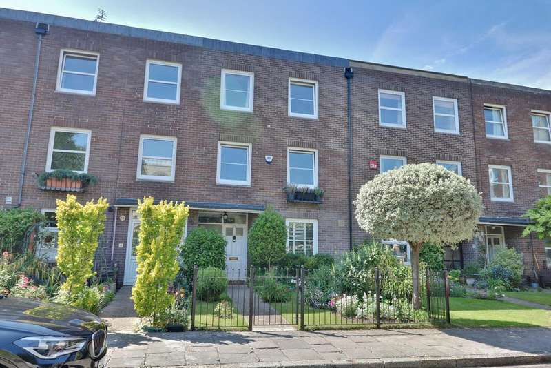 4 Bedrooms Town House for sale in Oyster Street, Old Portsmouth