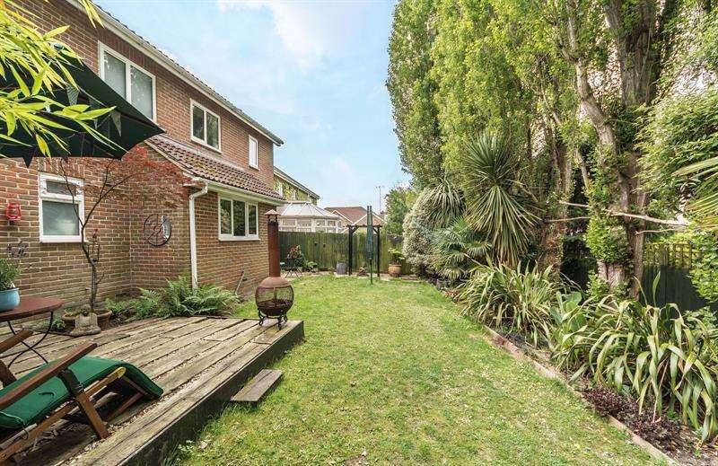 4 Bedrooms Detached House for sale in Redcroft Lane Bursledon Southampton