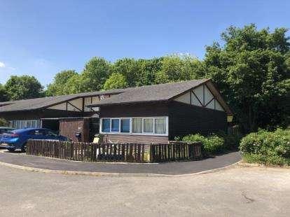 3 Bedrooms Bungalow for sale in Lammas, Beanhill, Milton Keynes