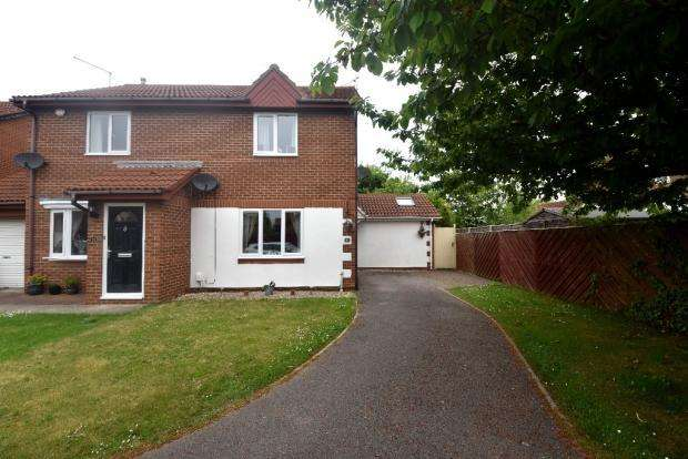 2 Bedrooms Semi Detached House for sale in Romney Close, Redcar TS10
