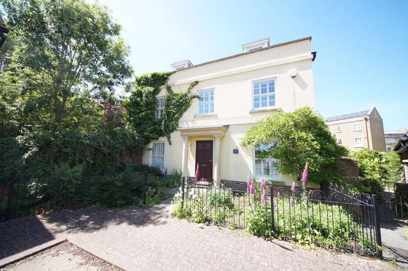 5 Bedrooms Detached House for sale in Otterbourne Walk, Sherfield-on-Loddon, Hook