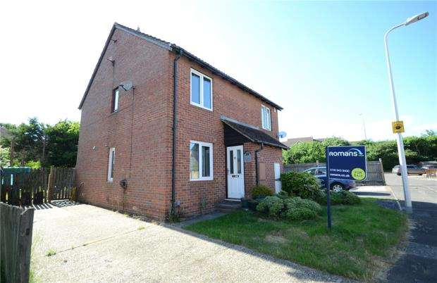2 Bedrooms Semi Detached House for sale in Derrick Close, Calcot, Reading