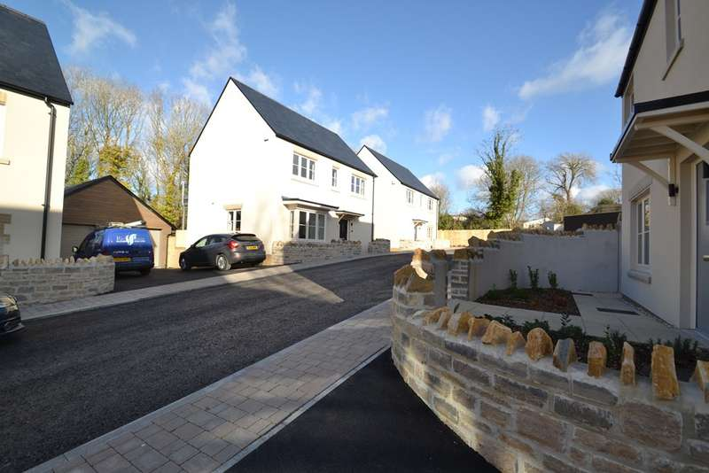 4 Bedrooms Detached House for sale in Weymouth