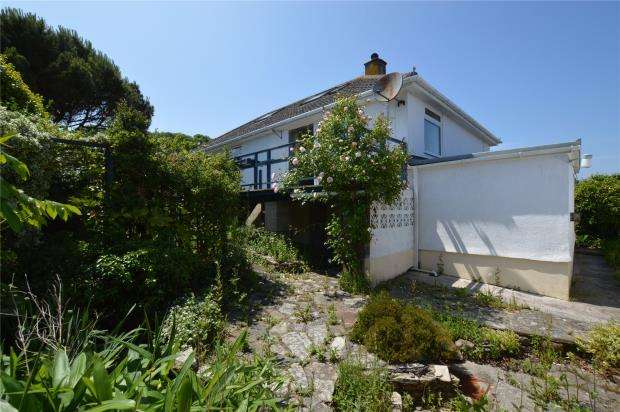 3 Bedrooms Detached Bungalow for sale in Pengwel, Newlyn, Penzance, Cornwall