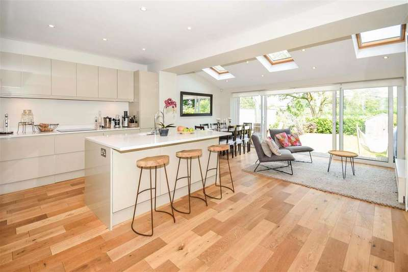 4 Bedrooms House for sale in Linkway, Raynes Park