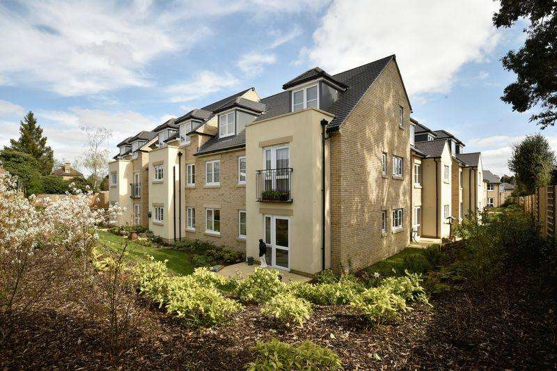 1 Bedroom Retirement Property for sale in Somerford Road, Cirencester, Gloucestershire.